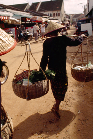Marketplace in Cambodia iPhone Wallpaper
